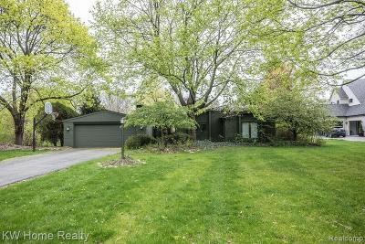 Bloomfield Twp Single Family Home For Sale: 4821 Keithdale Lane