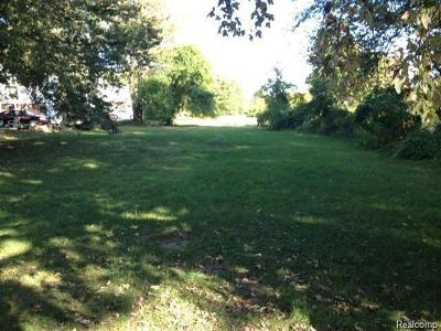 Harrison Twp MI Single Family Home For Sale: $69,000