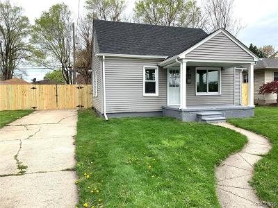 Hazel Park Single Family Home For Sale: 452 W Coy Avenue