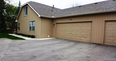 Grand Blanc Condo/Townhouse For Sale: 619 Perry Creek Drive