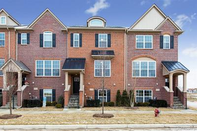 Northville Condo/Townhouse For Sale: 47765 Hillcrest Drive #44