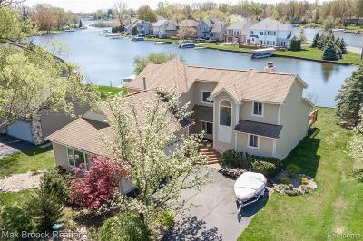 Waterford Twp Single Family Home For Sale: 308 Beverly Island Drive