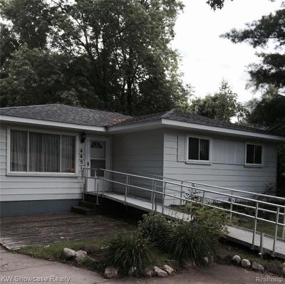West Bloomfield Twp Single Family Home For Sale: 4451 Cedar Ave