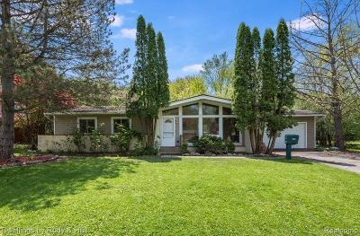 Southfield Single Family Home For Sale: 18665 Bainbridge Drive