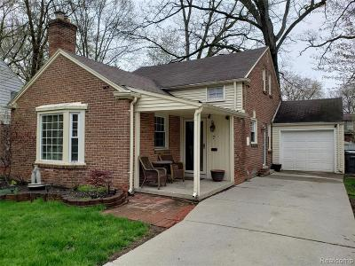 Dearborn Single Family Home For Sale: 7 Brookline Lane