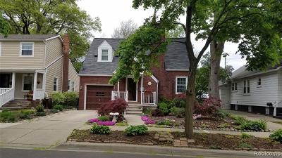 Ferndale Single Family Home For Sale: 415 E Oakridge