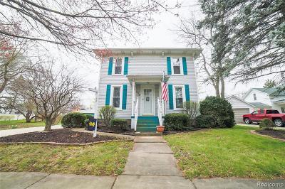 Single Family Home For Sale: 106 Lansing Street