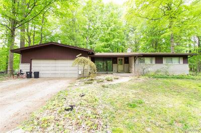 Farmington Hills Single Family Home For Sale: 32595 Shady Ridge Drive