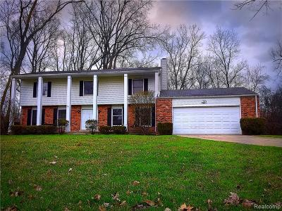 Bloomfield Twp Single Family Home For Sale: 2831 Acorn Road