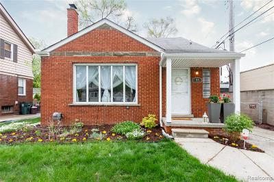 Royal Oak Single Family Home For Sale: 114 N Connecticut Avenue