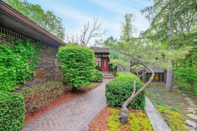 Farmington Hills Single Family Home For Sale: 26320 Hidden Valley Court