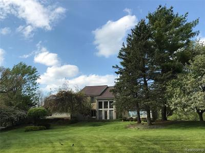 Milford Twp Single Family Home For Sale: 1270 Old Milford Farms