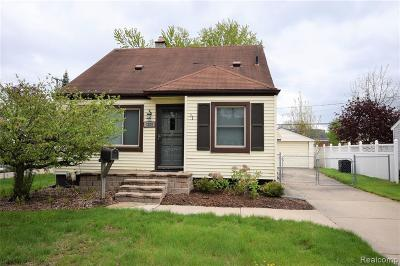 Royal Oak Single Family Home For Sale: 1329 W Windemere Avenue