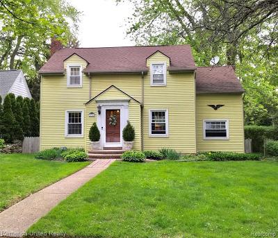 Farmington, Farmington Hills Single Family Home For Sale: 33914 Macomb Avenue