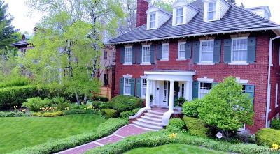 Detroit Single Family Home For Sale: 736 Chicago Boulevard