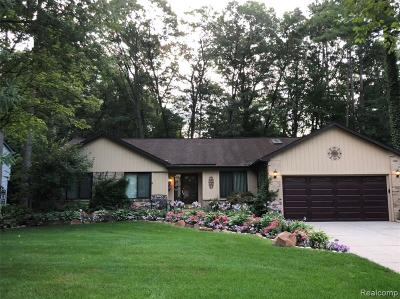 Commerce Twp Single Family Home For Sale: 4125 Cumberland Court