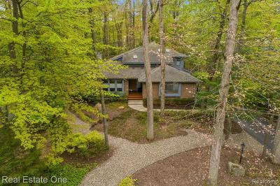 Bloomfield, Bloomfield Hills, Bloomfield Twp, West Bloomfield, West Bloomfield Twp Single Family Home For Sale: 3539 Oakleaf Drive