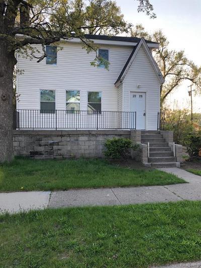 Royal Oak Single Family Home For Sale: 21041 Garden Lane