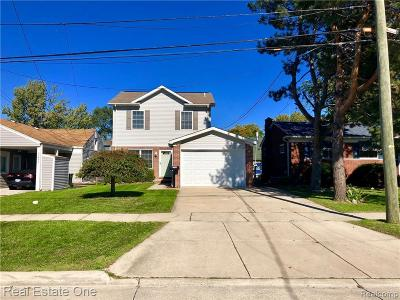 St. Clair Shores Single Family Home For Sale: 22495 E 10 Mile Road