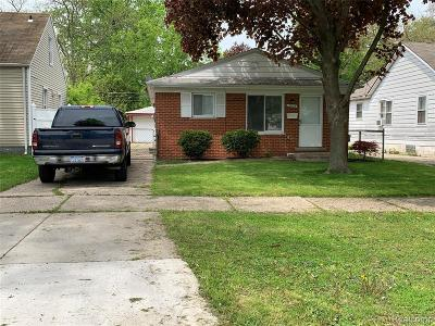 Dearborn Single Family Home For Sale: 5955 N Silvery Lane