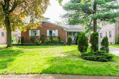 Dearborn Heights Single Family Home For Sale: 5757 Heritage Court