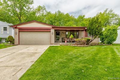 Canton Single Family Home For Sale: 2067 Morrison Boulevard