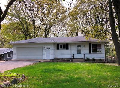 Waterford Twp Single Family Home For Sale: 2129 Highfield Road