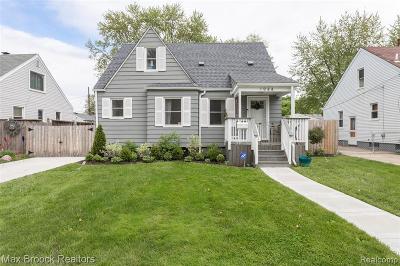 Berkley Single Family Home For Sale: 1944 Bacon Avenue