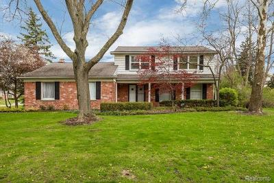 Bloomfield Twp Single Family Home For Sale: 319 Millington Boulevard