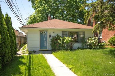 Royal Oak Single Family Home For Sale: 111 N Altadena Avenue
