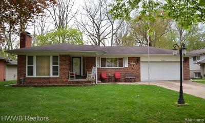 Livonia Single Family Home For Sale: 16555 Pollyanna Street
