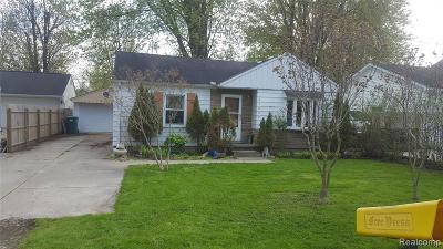 Harrison Twp MI Single Family Home For Sale: $119,900