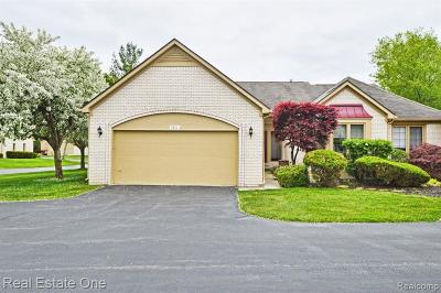 West Bloomfield Twp Condo/Townhouse For Sale: 7388 Sherwood Creek Court