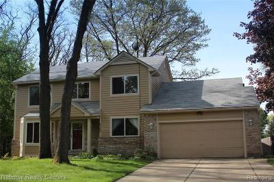 West Bloomfield Twp Single Family Home For Sale: 6589 Cardinal Place Court