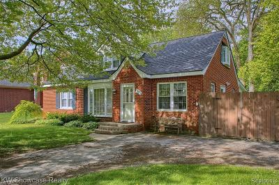 Troy Single Family Home For Sale: 1993 Van Courtland Drive