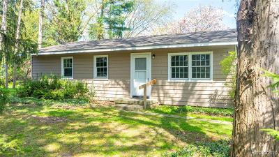 Northville Single Family Home For Sale: 17888 Beck Road