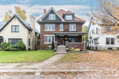 Detroit Single Family Home For Sale: 901 Chicago Boulevard