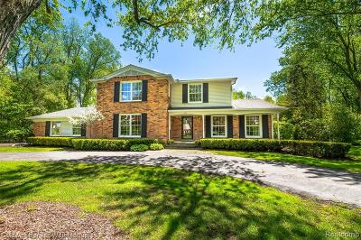 Bloomfield Hills Single Family Home For Sale: 652 Kingsley Trail