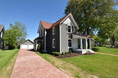 Fenton, Linden, Holly Twp, Grand Blanc, Hartland Twp, Swartz Creek, Highland Twp, Milford Single Family Home For Sale: 404 N Adelaide Street