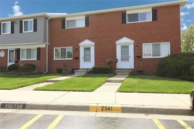 Auburn Hills Condo/Townhouse For Sale: 2541 Patrick Henry St