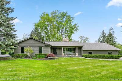 Bloomfield Twp Single Family Home For Sale: 1966 Bayou Drive
