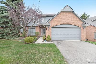 Farmington, Farmington Hills Condo/Townhouse For Sale: 28110 Warwick Drive