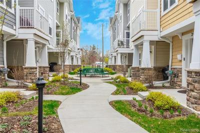 Berkley Condo/Townhouse For Sale: 2683 Harvard Road