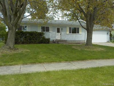 Imlay City MI Single Family Home For Sale: $134,900