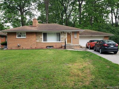 Southfield Single Family Home For Sale: 18759 Nadol Drive