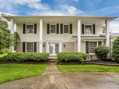 West Bloomfield Twp Single Family Home For Sale: 6051 Cherry Crest Drive