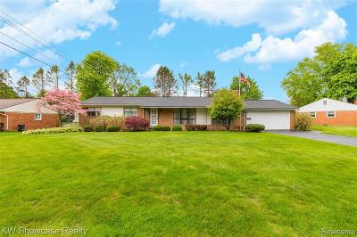 Commerce Twp Single Family Home For Sale: 1910 Twilight Hill Court
