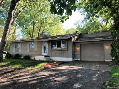 Waterford Twp Single Family Home For Sale: 78 Leota Boulevard