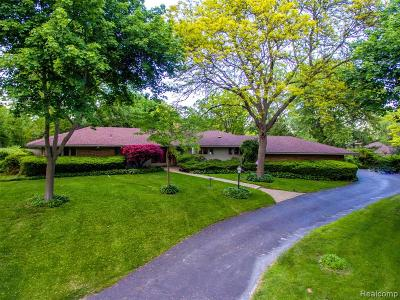 Bloomfield Twp Single Family Home For Sale: 6755 Old Creek Road