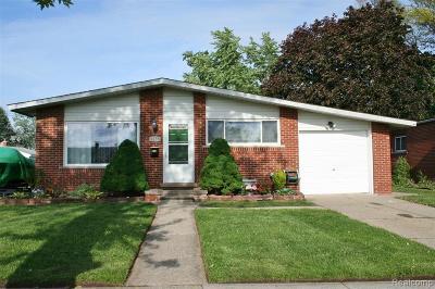 Wayne County Single Family Home For Sale: 8158 Hillcrest Boulevard